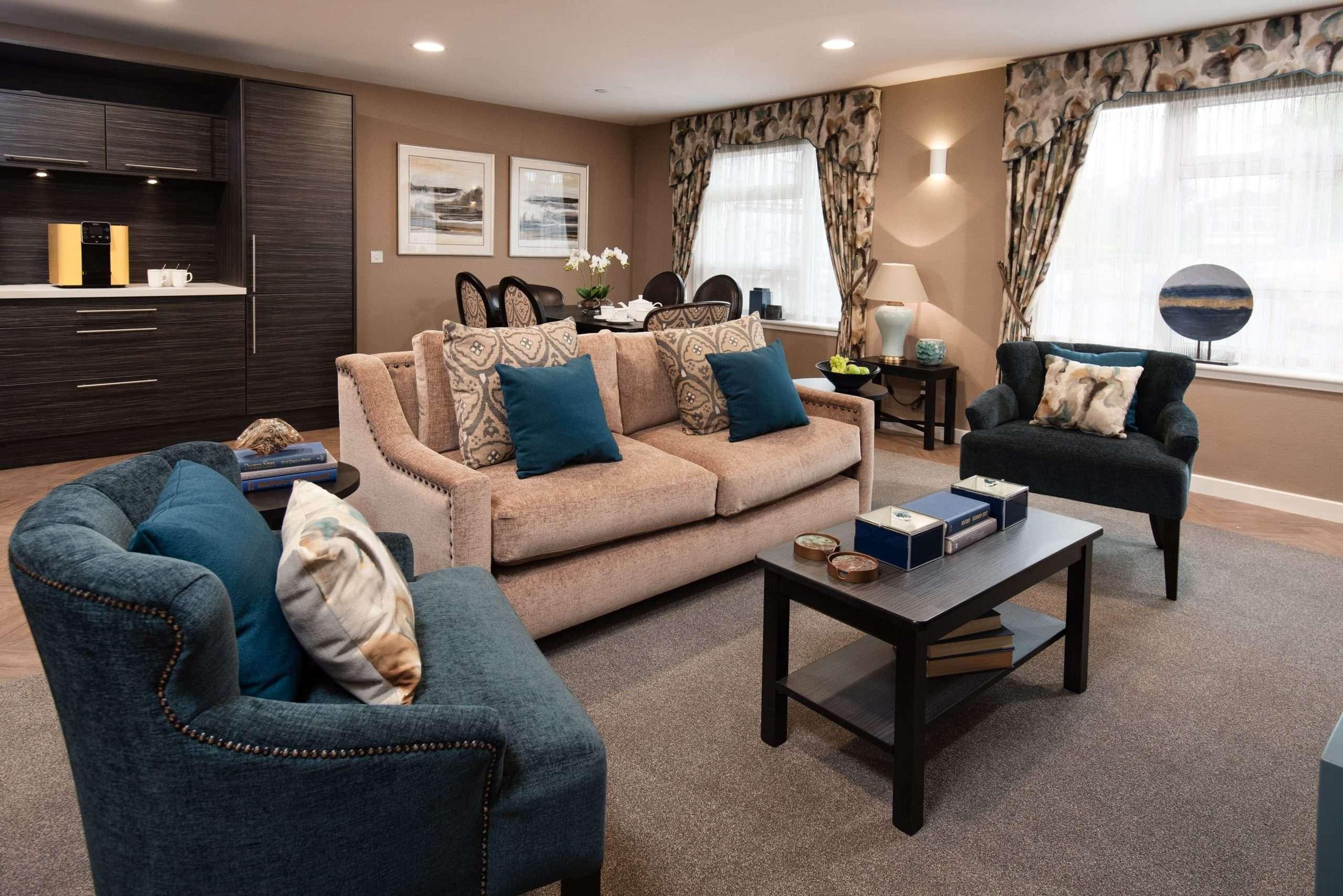 Lounge area at Cramond Residence