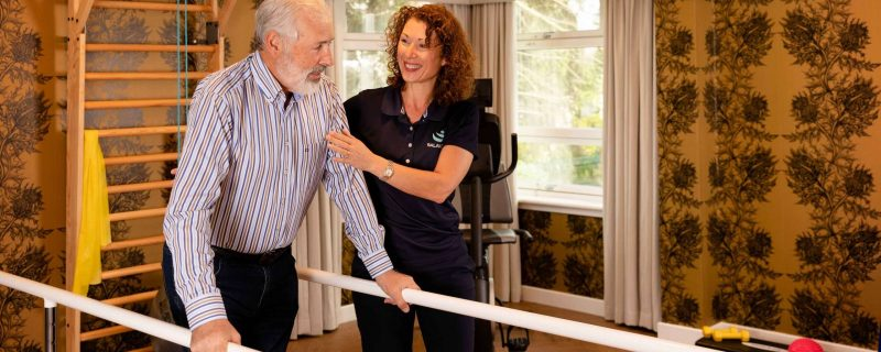 Resident enjoying physiotherapy session